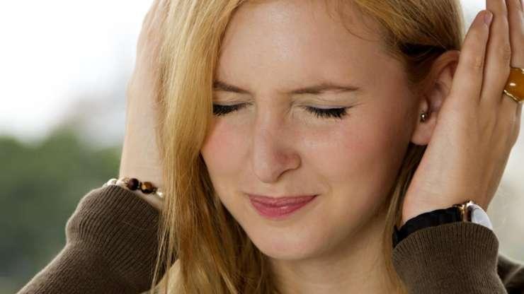 Шум и звон в ушах: причины и лечение