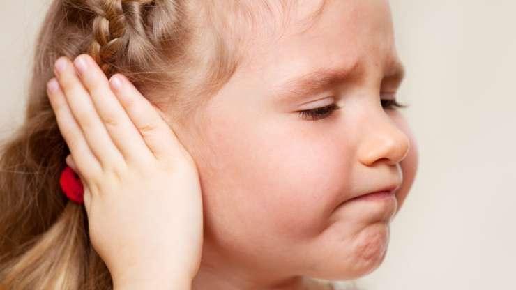 Боль в ухе: причины и лечение